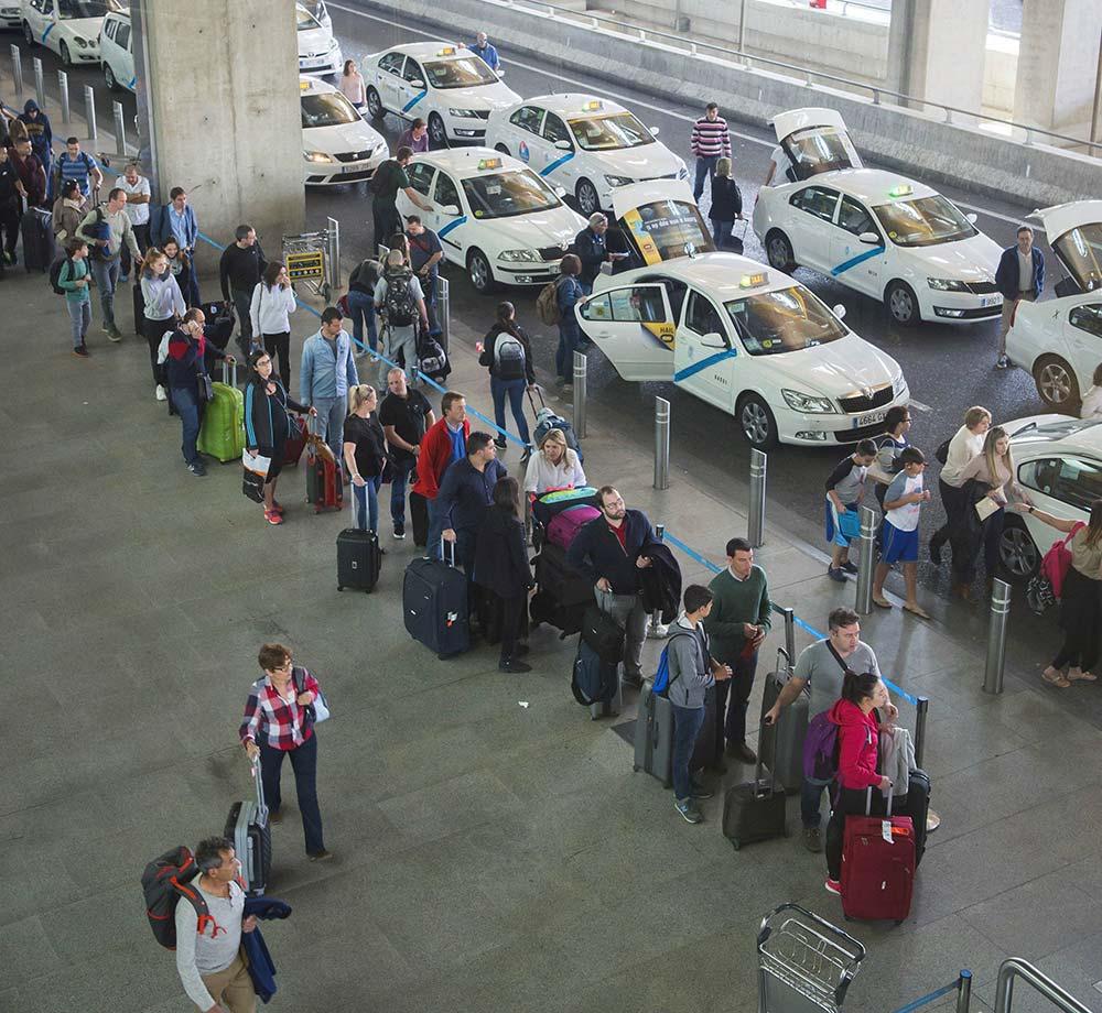 cola aeropuerto de malaga